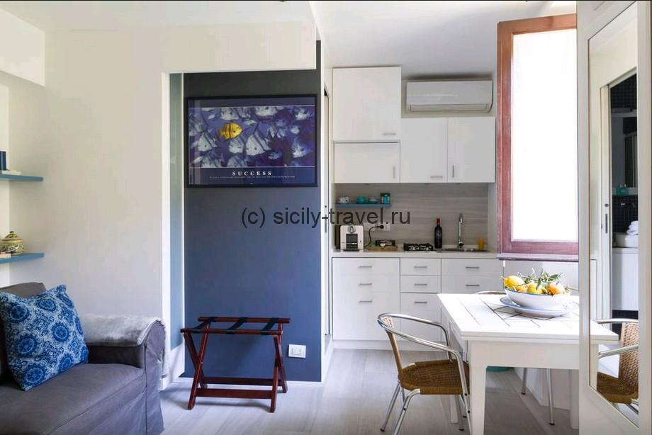 Charming small apartment Taormina