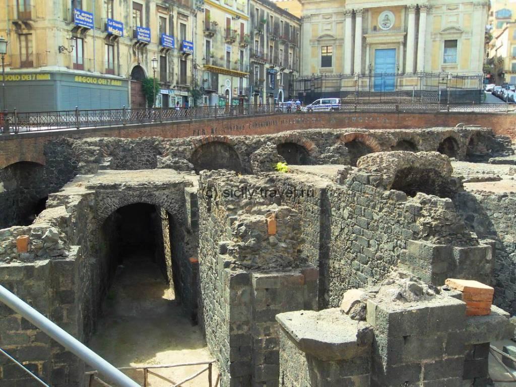 Древнеримский театр в Катании