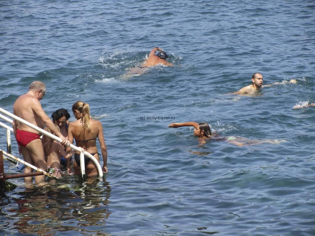 Ли Кути - пляж в Катании