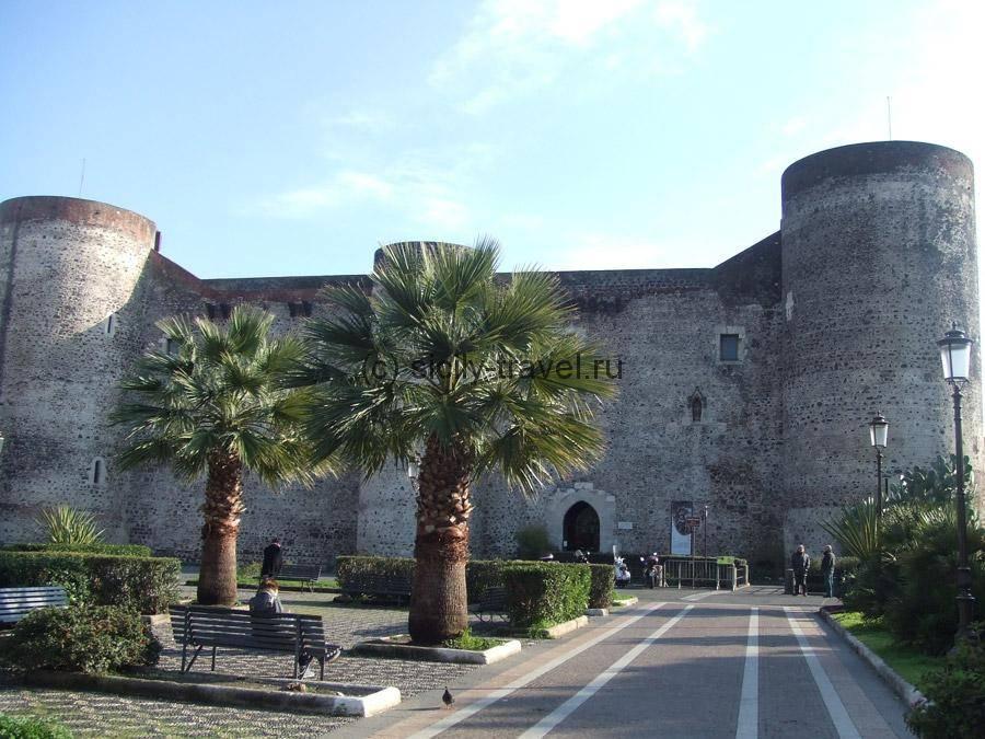 Замок Урсино