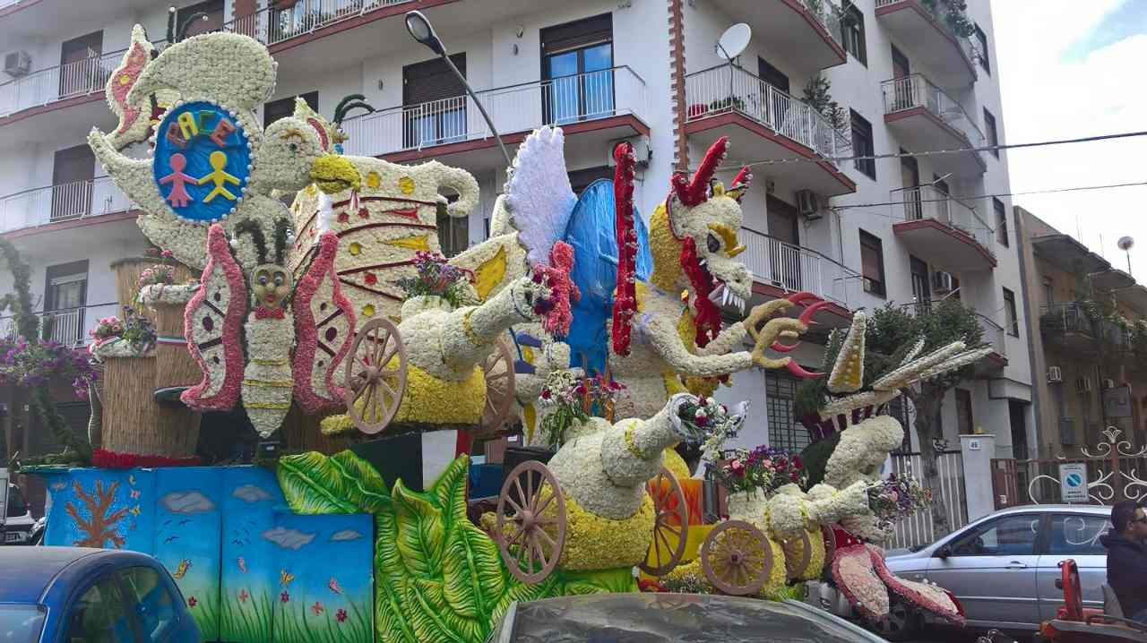 Фестиваль цветов в Ачиреале