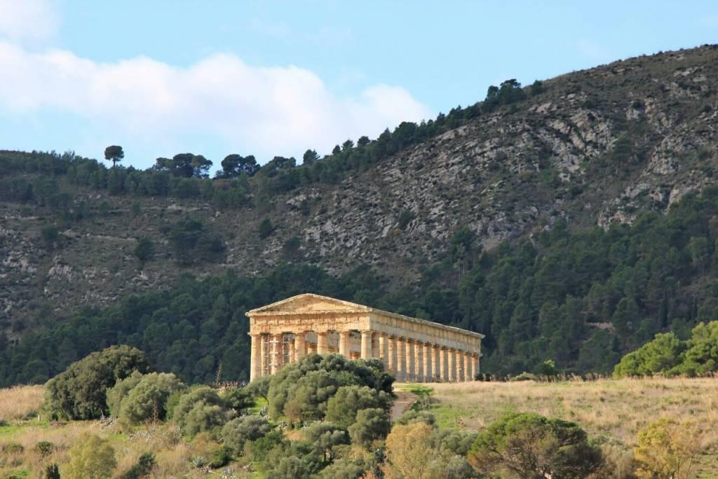 Храм Седжесты